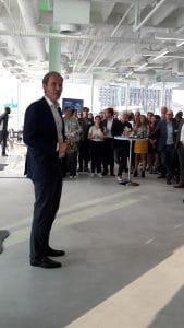Joost Farwerck spreekt tijdens het netwerkdiner